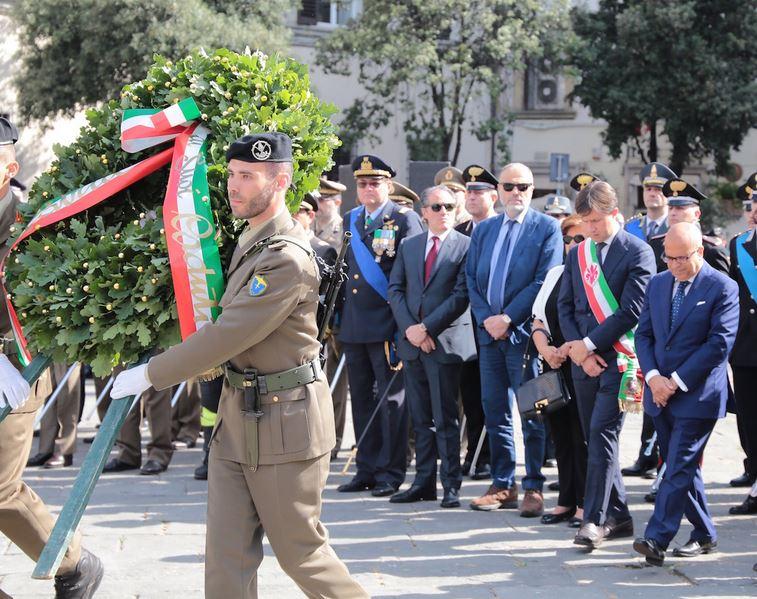 La cerimonia militare per il 2 giugno in Piazza dell'Unia' a Firenze