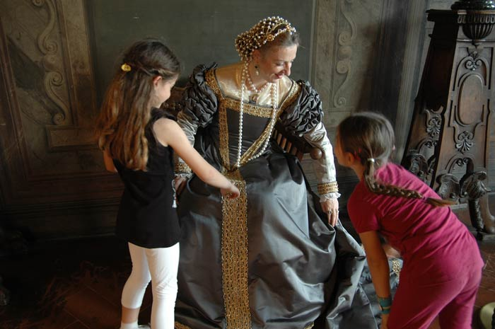 In costume nei palazzi dei Medici