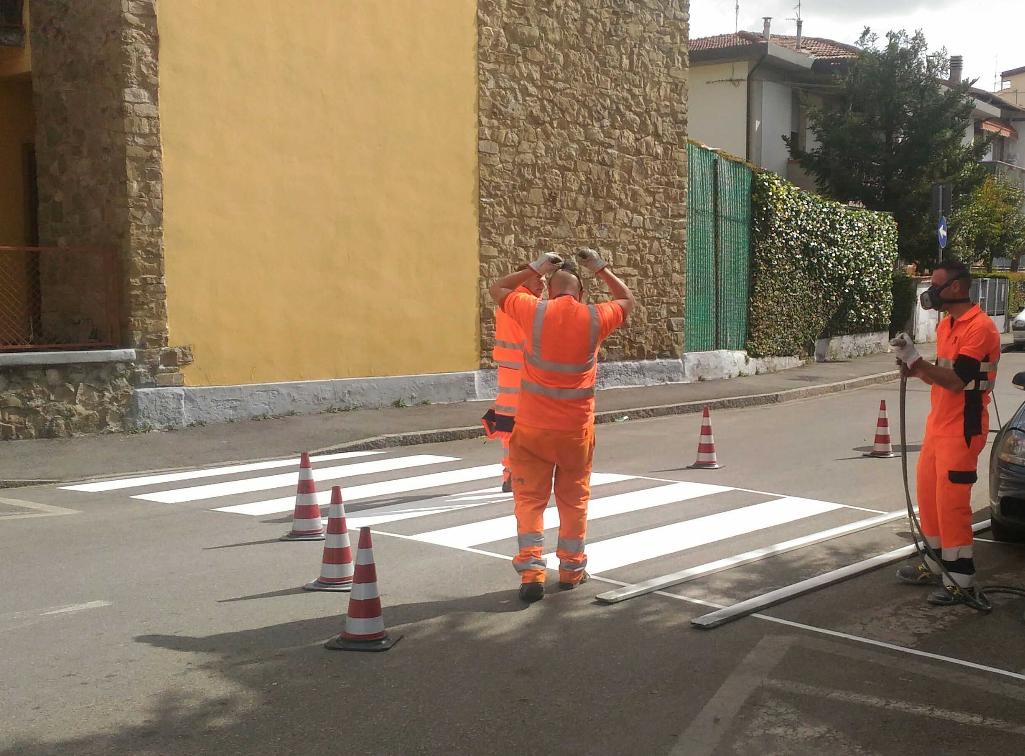 Strisce pedonali e segnaletica, lavori in tutti i quartieri