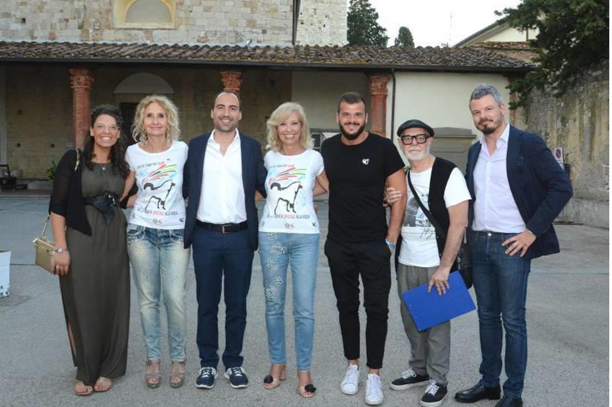 """Il sindaco Calamai e l'assessore Fanti alla """"serata speciale"""" alla Rocca per i ragazzi disabili"""