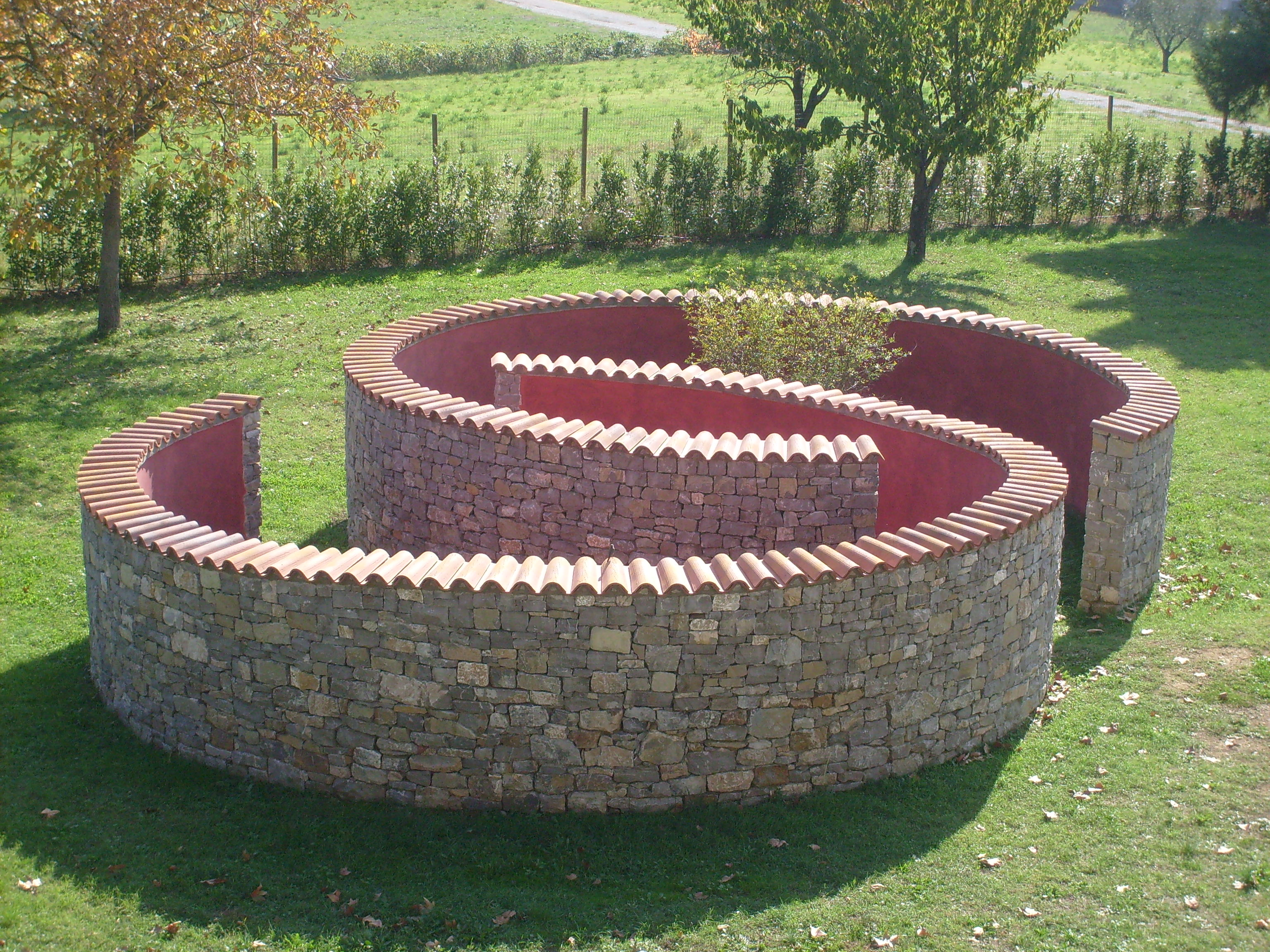 """l'opera d'arte ambientale """"Giardino Rovesciato"""" di Nagasawa (foto da comunicato)"""
