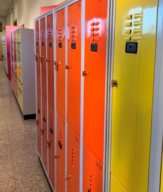 570 armadietti porta zaino per i ragazzi dell'Istituto Comprensivo di Figline