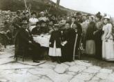 Pranzo sull'aia con Carducci in una immagine d'epoca