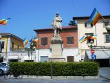 bandiere della pace in piazza montanelli  anno 2010