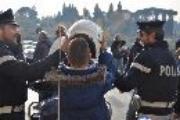 LA POLIZIA DI STATO IN VISITA AL MEYER