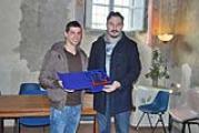 """Nella foto un momento della consegna del premio """"Atleta dell'anno"""" a Manuel  Pucciarelli da parte dell'assessore allo sport, Gianluca Giancaterino"""