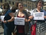 Flash mob di Oxfam Italia per chiedere la liberazione delle oltre 270 studentesse rapite in Nigeria