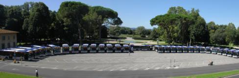 Panoramica dei 30 nuovi autobus Ataf