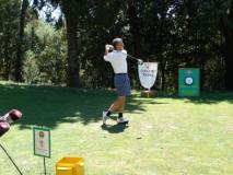 Un golfista impegnato in una passata edizione della Coppa d'Oro Torrini