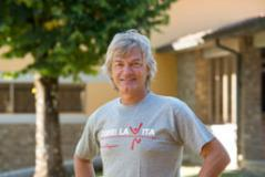 Giancarlo Antognoni con la maglia di Corri la Vita