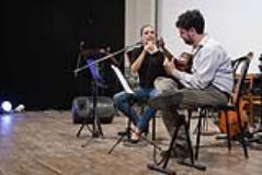 Artisti sul palco del Teatro Ammirato
