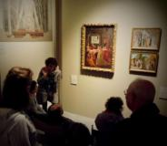 un momento della visita degli ospiti del centro Anffas alla mostra Capolavori che si incontrano