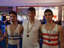 Jacopo Mancini in azione e poi con maglia e medaglia d'oro di campione d'Italia Under 23