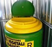 Contenitore per gli oli usati in un ecobox