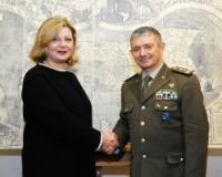 La professoressa Grazia Tucci (Universita' di Firenze) e il  Generale di Divisione Gianfranco Rossi comandante dell'Istituto Geografico Militare
