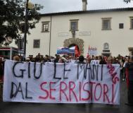 Manifestazione per l'ospedale Serristori (foto dal sito del Comune di Figline e Incisa)