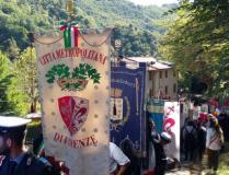 Gonfaloni alla Cerimonia per la rievocazione dell'eccido di Sant'Anna di Stazzema (Foto Marco Zatini)