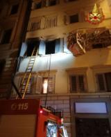 I vigili del fuoco in via degli Avelli