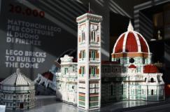 Modellino in mattoncini LEGO della Cattedrale e del Battistero di Firenze