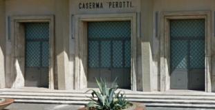 caserma Perotti, ingresso