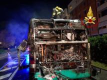 Autobus bruciato a Sesto