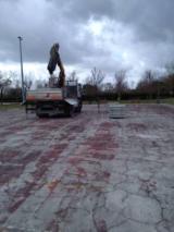 Rifacimento della pista di pattinaggio a Villa Montalvo
