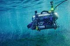 Il robot nel mare di vulcano