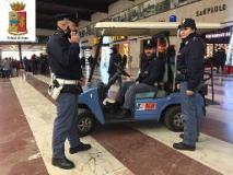 Controlli in zona Stazione Centrale, presi tre borseggiatori in via Nazionale
