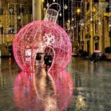 Luminarie in via Tornabuni (foto Antonello Serino)