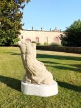Il giardino storico di Villa La Magia si arricchisce di tre sculture settecentesche
