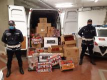 Prato. La Municipale sequestra una tonnellata di botti (Foto da comunicato)