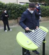 Il sindaco Nardella allo xilofono nel giardino di Borgo Allegri dedicato a Uberto Ardovini