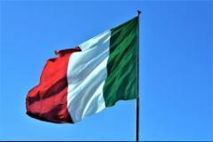 Festa della Repubblica bandiera italiana (foto archivio Antonello Serino)