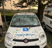 Auto colpita dalla grandine a Vaglia